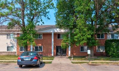 Building, Brentwood Estates, 0
