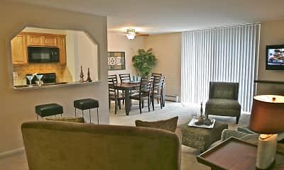 450 Green Apartments, 1