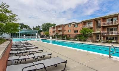 Pool, Monticello Falls Church, 0
