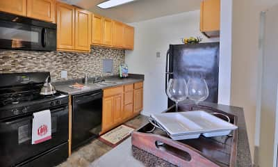 Kitchen, Kings Park Plaza Apartment Homes, 1