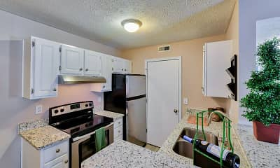Kitchen, Hilliard Station Apartments, 1