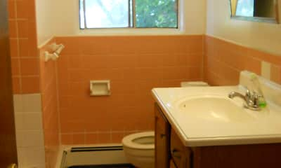 Bathroom, 76 - 82 Pennsylvania - Binghamton South Side, 2