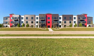 Building, Latitude 40 Flats, 1