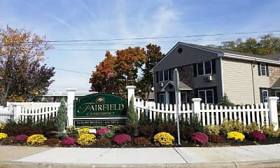Community Signage, Fairfield Tudor At North Babylon, 2