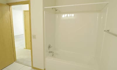 Bathroom, Woodsview Apartments, 2