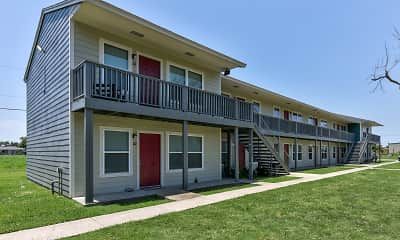Building, Rockport Oak Garden Apartments, 1