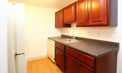Kitchen, The Glen Apartments, 1