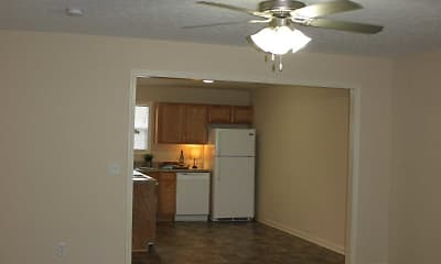 Living Room, Edwardsville Trace Apartments, 2