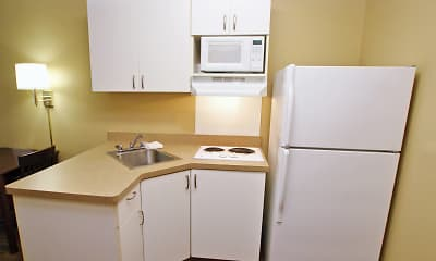 Kitchen, Furnished Studio - Kansas City - Overland Park - Quivira Rd., 1