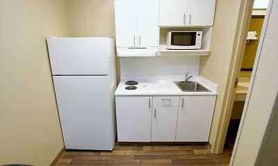 Kitchen, Furnished Studio - Winston-Salem - Hanes Mall Blvd., 1