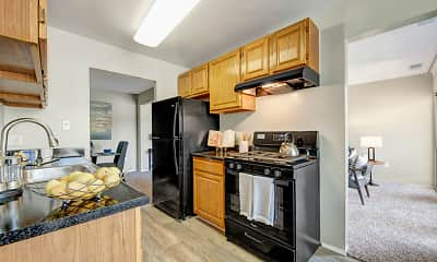 Kitchen, Peppertree Farm & Cinnamon Run at Peppertree Farm Apartments, 0