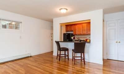 Dining Room, Eagle Rock Apartments At Mineola, 2
