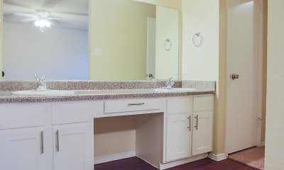 Bathroom, Centre Oaks, 2