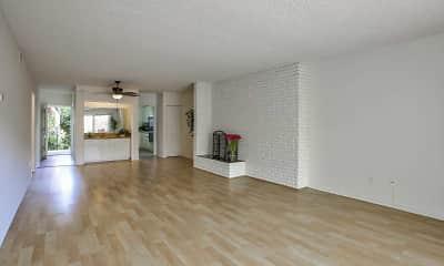 Living Room, Continental Arcadia & Royal Gardens, 1