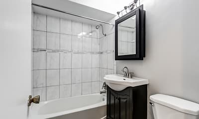 Bathroom, 631-633 Maple Ave, 2