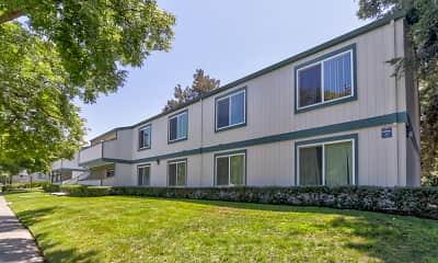 Building, Oak Pointe Apartments, 1