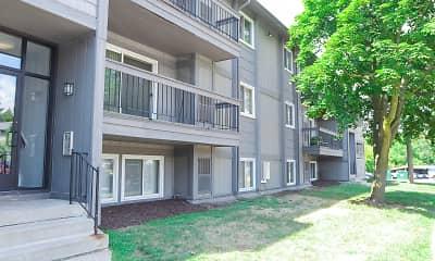 Building, Pine Lake Apartments, 0
