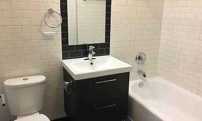 Bathroom, 5100 S Ellis Avenue, 2