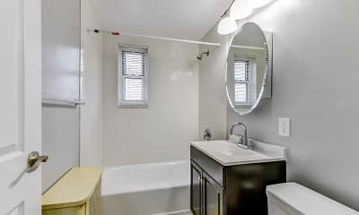 Bathroom, Hackensack Gardens, 2