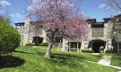 Courtyard, Polo Run Apartments, 0