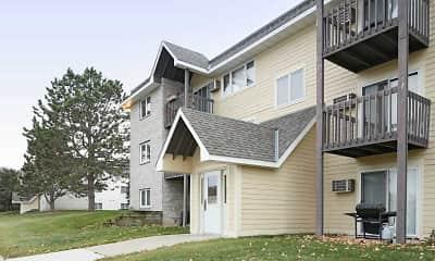 Building, Woodridge Apartments, 1