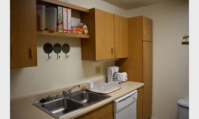 Kitchen, Pike Lake Pointe Apartments, 2