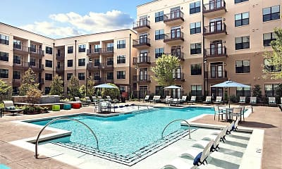 Pool, Radius West Midtown, 1