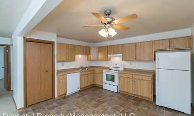 Woodfield Circle Apartments, 1