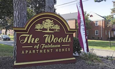 Community Signage, Woods of Fairlawn, 2