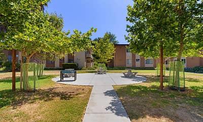 Glenbrook Apartments, 1