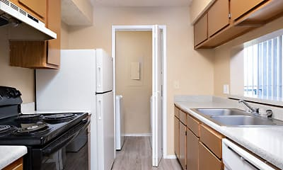 Kitchen, Huntington Pointe, 0