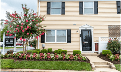 Building, Middle River Townhomes, 1