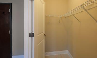 Bathroom, 839 Diversey, 1