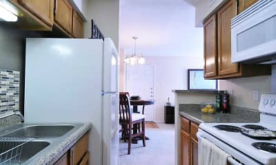 Kitchen, Lincoln Crossing Apartments, 1