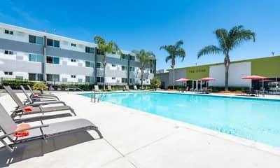 Pool, Meridian Pointe, 1