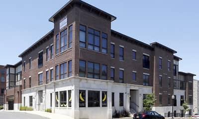 Building, The League Bloomington - The Crest, 0