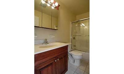 Bathroom, Fairfield On The Lake, 2