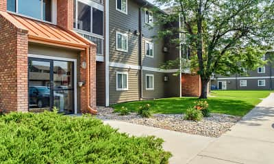 Building, Prairie Tree Apartments, 0