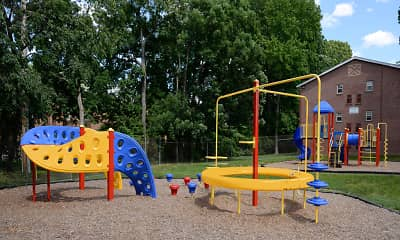 Playground, Hyde Park Apartments, 2