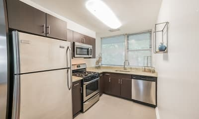 Kitchen, Cherokee Apartments At Chestnut Hill, 1