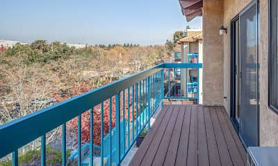 Patio / Deck, Santos Plaza Apartments, 2