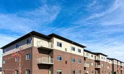 Building, Signature Apartments at StoneMill Pond, 0