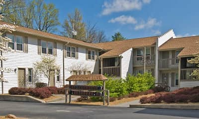 Building, Evergreen Terrace Apartments (ETSU/JCMC), 2