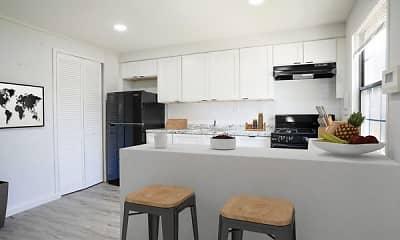 Kitchen, Dutch Village Townhomes & Apartments, 0