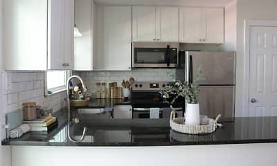 Kitchen, Williamsburg Manor Apartments, 0