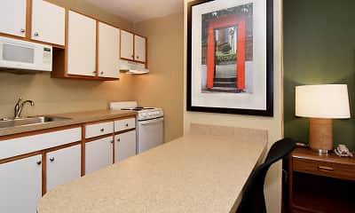 Kitchen, Furnished Studio - Des Moines - West Des Moines, 1