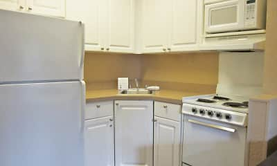 Kitchen, Furnished Studio - Greensboro - Airport, 1