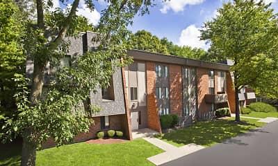 Building, Landmark Apartments & Townhomes, 0