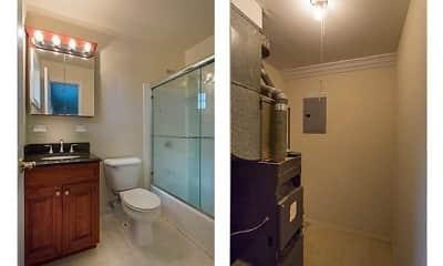 Bathroom, FAIRFIELD PLAZA WEST at Sayville, 2