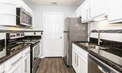 Kitchen, Crown Point at Sunset Drive, 2
